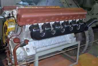 звук двигателя танка